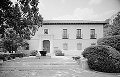 Administration Building Hot Springs 1984.jpg