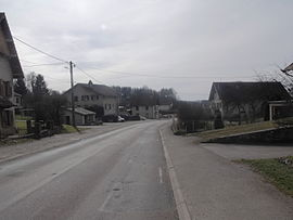 The main road in Aïssey