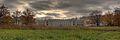 Aljeksandrowskij-park Alexanderpalast-Vorderseite-Panorama.jpg