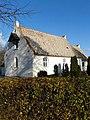 Alrø Kirke fra sydvest.jpg
