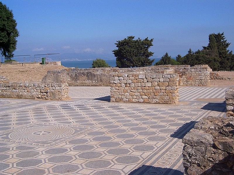 File:Ampuries-mosaico-ciudad-romana.JPG