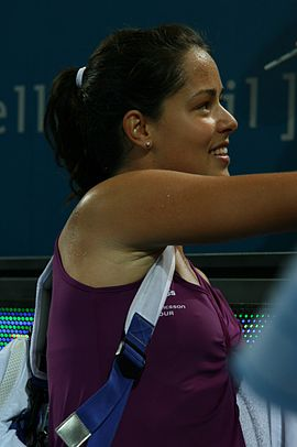 Ana Ivanovic at the 2009 Brisbane International13.jpg