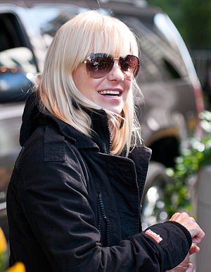 English: Anna Faris at the Toronto Internation...