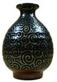 Arabesque black sake bottle 01.jpg