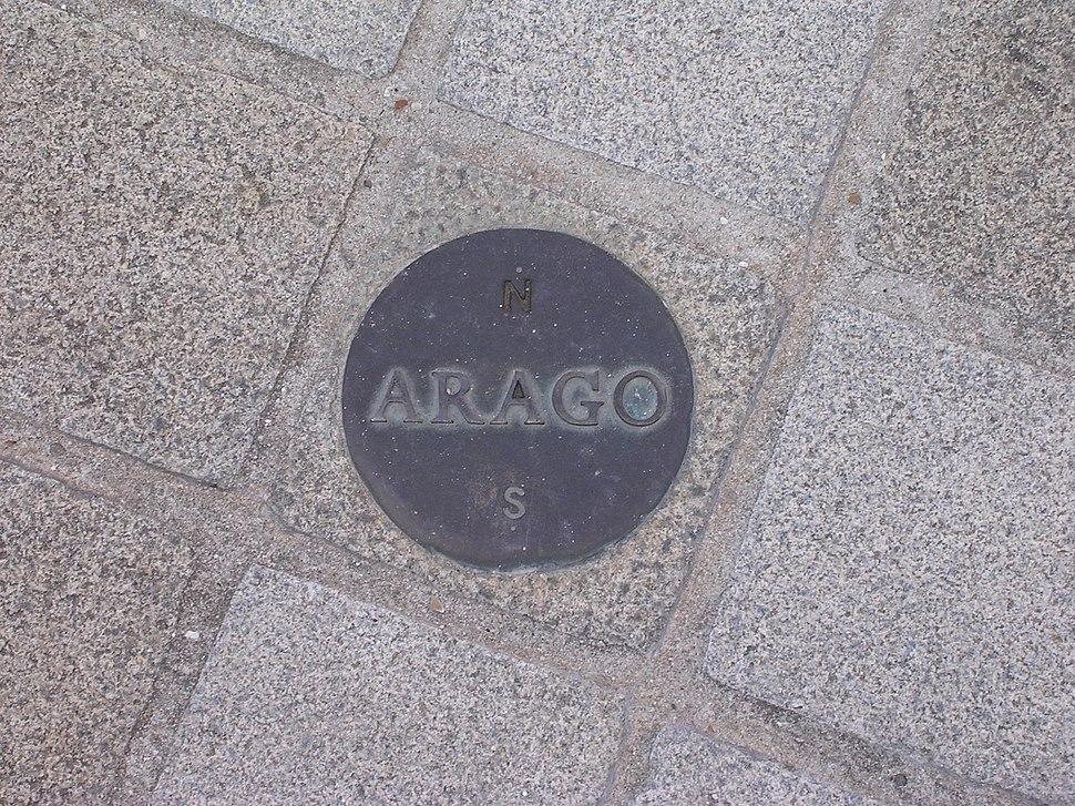 Arago medallion Paris