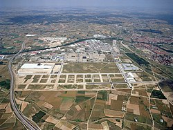Aerial view of Aranda de Duero (right), with the industrial parks in the foreground