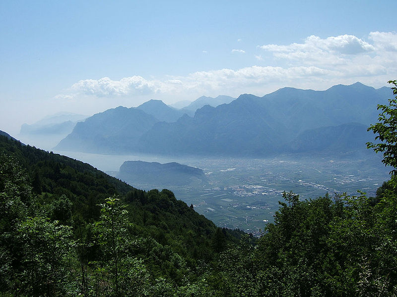 File:Arco - View from mountain.jpg