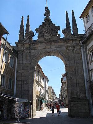 Arco da Porta Nova - The western façade of the Arco da Porta Nova