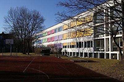 Asam-Gymnasium Suedseite Pict 202.JPG
