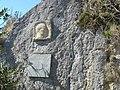 Ascension château de Montségur 09- plaque Maurice Magre.jpg