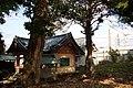 Ashitaka shrine to snuggle up to Tōkaidō Shinkansen.jpg