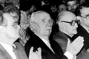 Axel Eggebrecht - Axel Eggebrecht (right) with Fritz Eberhard (center) and Peter Glotz (left).