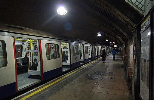 Baker Street tube station MMB 02