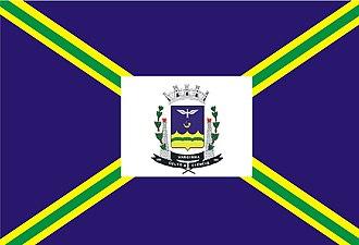 Praça TV - Image: Bandeira de Varginha (Minas Gerais)