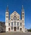 Basilique Saint-Remi de Reims Exterior 2, Reims, France - Diliff.jpg