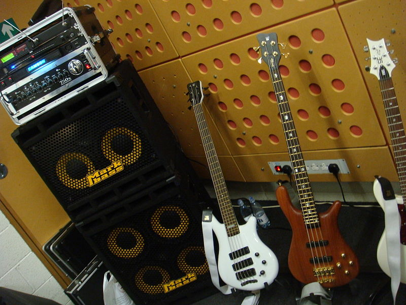 File:Bass Rig in Rehearsal (by Simon Doggett).jpg