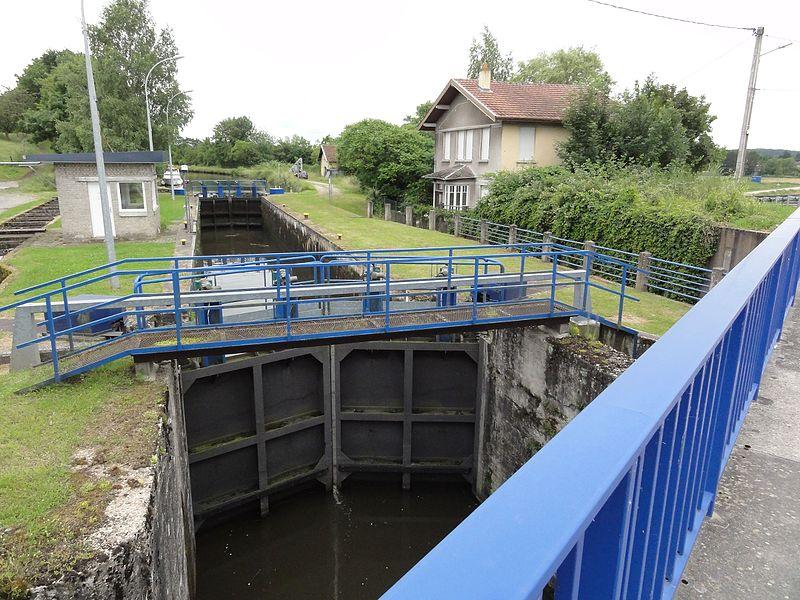 Bataville (Moselle) écluse canal de la Marne au Rhin