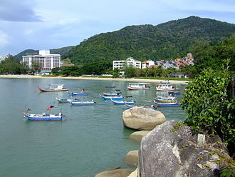 Batu Ferringhi - The beaches of Batu Ferringhi, interspersed by rocky outcrops