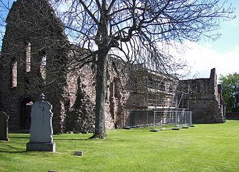 Beauly Priory outside.jpg