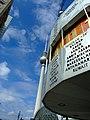 Berlín, Mitte, Světové hodiny a Fernseherturm.jpg