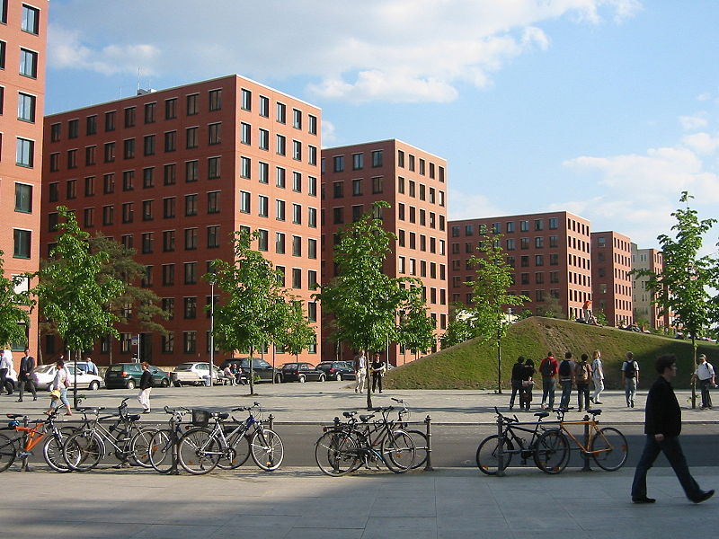 File:Berlin - Park Kolonnaden 2.jpg