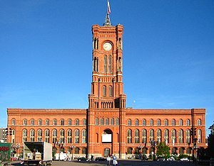 Il Rotes Rathaus