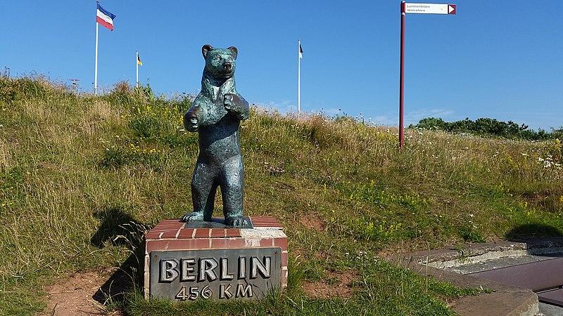 File:Berliner Bär auf Helgoland Oberland - panoramio.jpg
