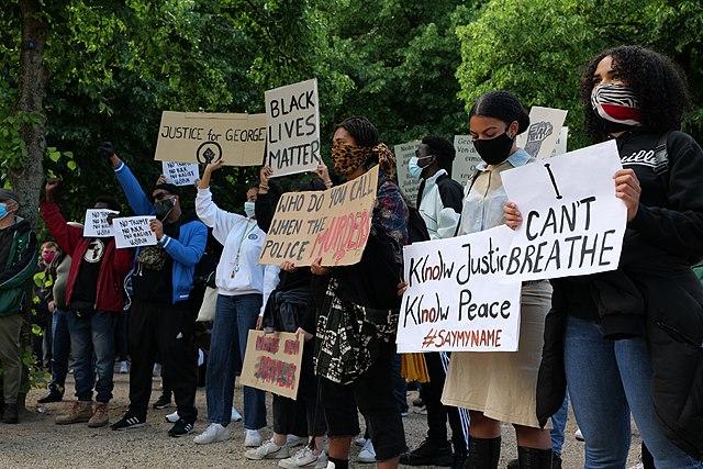 קובץ:BlackLivesMatter protest Berlin 2020-05-30 22.jpg – ויקיפדיה