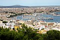 Blick vom Castell Bellver auf den Yachthafen von Palma de Mallorca - panoramio.jpg