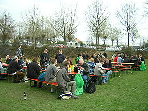 Demoscene - Breakpoint 2005: The real party is outside.