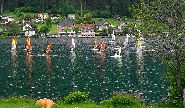 File:Brennsee Südufer im Gegendtal, Gemeinde Feld am See ...
