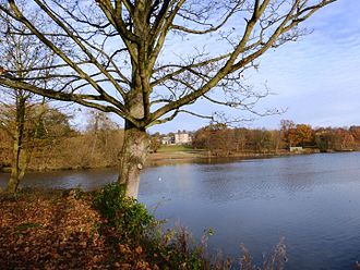 Bretton Hall, West Yorkshire - Bretton Hall, lower lake and parkland