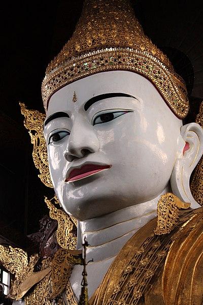 File:Buddha Statue at Nga Htat Gyi Pagoda at Yangon (14).jpg