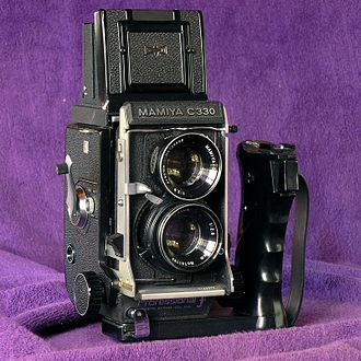 Mamiya C330 - C330 with one of the gripholders