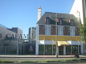 Craft and Folk Art Museum on Wilshire Boulevar...