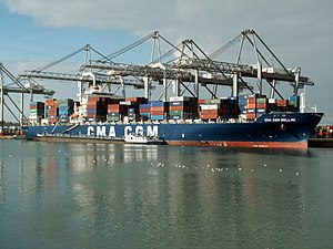 CMA CGM Bellini (front view), at the Amazone harbour, Port of Rotterdam, Holland 11-Feb-2006.jpg