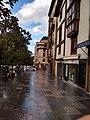 Calle Santo Domingo, bajada hacia Barrenkale.jpg
