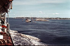 Cargo ship Sabine Howaldt in the entrance to the Mexican port of Coatzacoalcos - 1958.jpg
