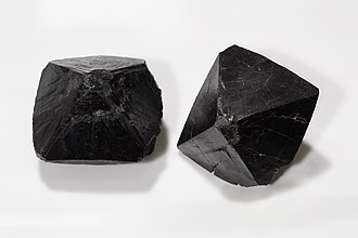 Cassiterite - Cassiterite bipyramids, edge length ca. 30 mm, Sichuan, China