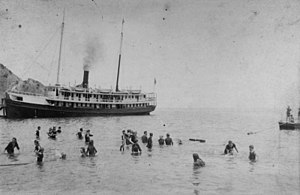 Santa Catalina Island (California) - Tourists enjoying the waters off Catalina in 1889