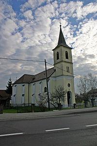 Cerkev sv. Petra in Pavla Hotiza.JPG