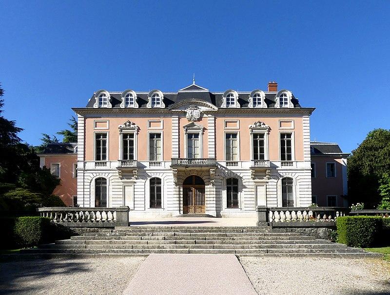 Chateau Hotel Piscine