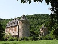 Château de Saint-Julien d'Empare et sa tour isolée.JPG