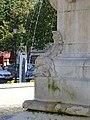 Châteaudun - place du 18-Octobre, fontaine (04).jpg