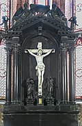 Chapel of the Crucifix Santi Giovanni e Paolo (Venice) - Altar and altarpiece, in black marble, by Alessandro Vittoria.jpg