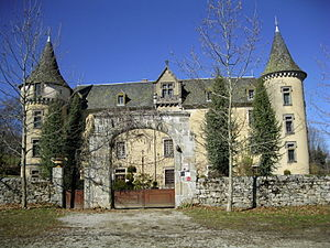 Bessonies - The entrance to the chateau in Bessonies