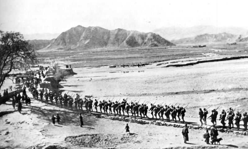 Fichier:Chinese leaving Lhasa 1912.jpg