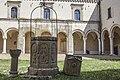 Chiostro dell Abbazia Benedettina Di San Michele Arcangelo.jpg