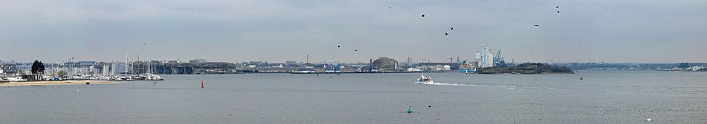 Citadelle de Port-Louis (12) - Port et rade de Lorient.jpg