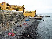 Cobble beach, Forte de Santiago (Funchal) Prainha atrás do forte São Tiago.JPG
